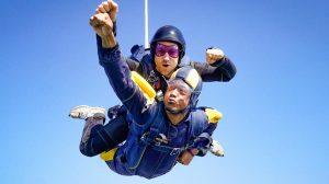 What is tandem skydiving